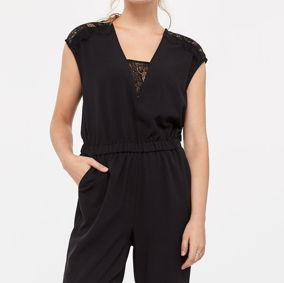 NWOT Reitmans Black Sleeveless Lace Panel Jumpsuit